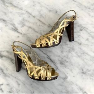 Jessica Simpson Gold and Wood Stacked Heels, 8